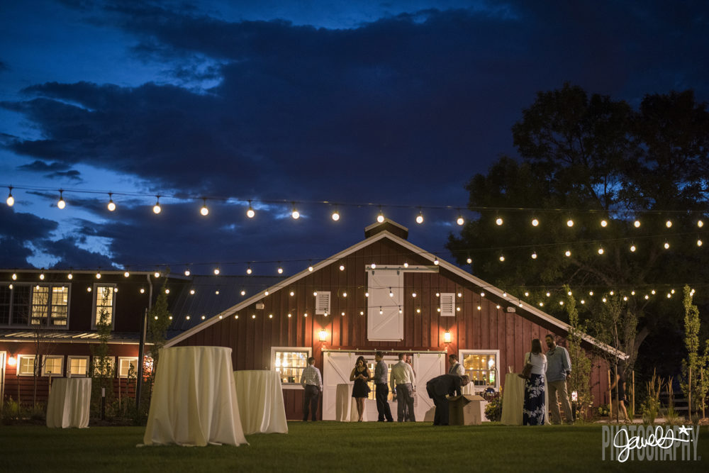 barn at raccoon creek wedding cocktail