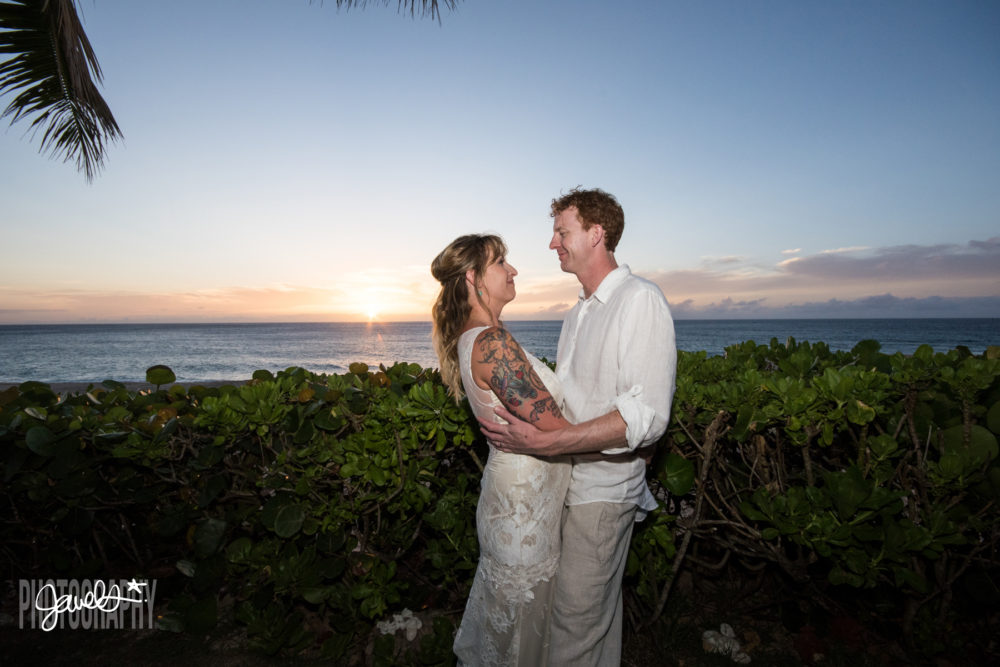 beach bride groom hawaii destination wedding