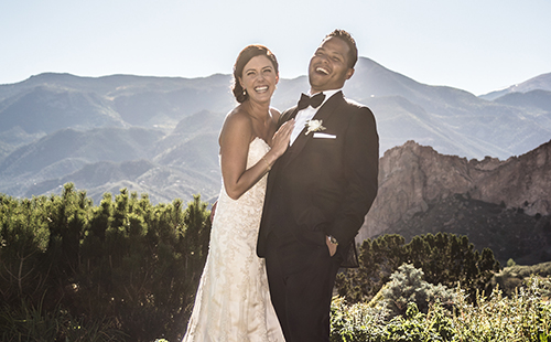 Colorado wedding photographer capturing candid moments