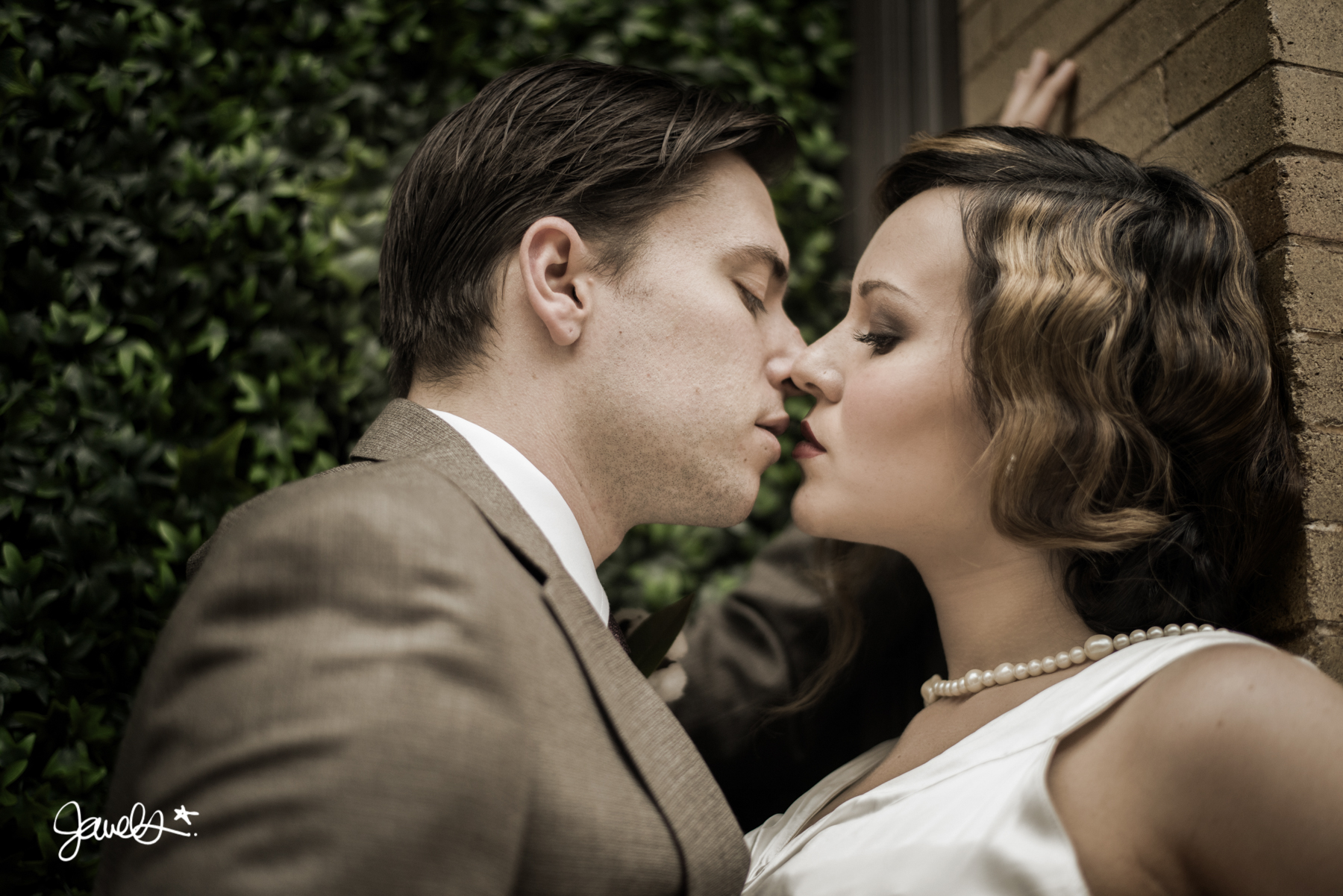 bonnie & clyde wedding portrait