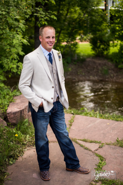 creekside groom first look