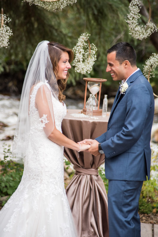 colorado wedding bride and groom