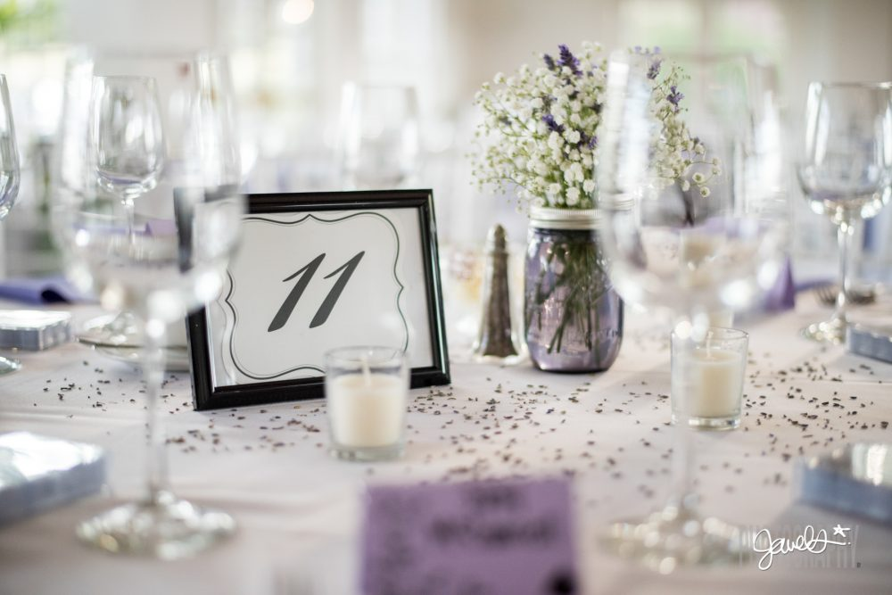 simple colorado wedding decor